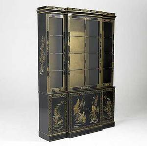 Chinoserie breakfront black lacquer with asian decoration 20th c 80 x 55 x 14