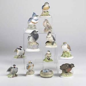 Boehm porcelain twelve pieces include chickadees warblers blue jays robin thrush magpie and others tallest 5 34