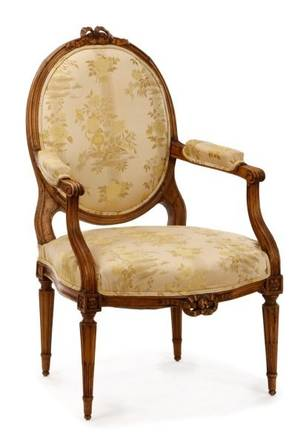 Louis XVI Period Carved Fauteuil la Reine