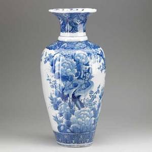 Japanese imari blue and white palace vase with forest scene 19th c 23 12