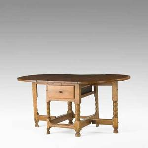 American gateleg dropleaf table pine with one drawer and turned legs 18th c 30 x 40 x 25 12