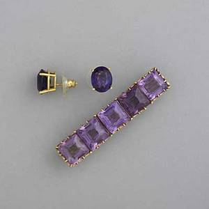Amethyst earrings and pin bar pin with square amethysts approx 20 cts tw 2 14 oval amethyst stud earrings approx 3 cts each all 18k yg 165 gs gw
