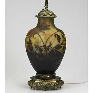 Daum nancy cameo glass bronze mounted table lamp with floral decoration 20th c 13 12 glass only
