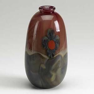 Michael pavlik art glass vase with floral decoration signed michael pavlik 77 7 14 x 3 12