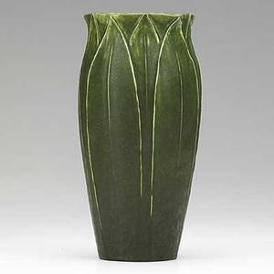 Wilhelmina post grueby vase with fivesided opening tall leaves green glaze circular pottery stamp wp 9 12 x 4 34