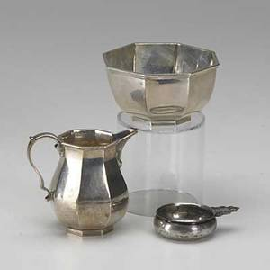 American and english sterling london 1959 lunt miniature porringer creamer and sugar 20th c 1265 ot tallest 3