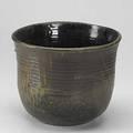 Toshiko takaezu flaring ribbed bowl marked with artist cipher 9 12 x 12 dia