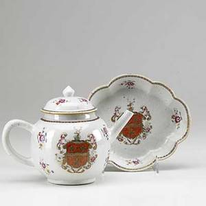 Chinese export armorial teapot and stand with famille rose decoration ca 1760 teapot 8 12 x 6 12