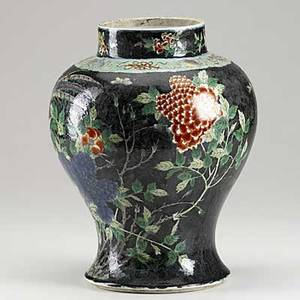 Chinese export vase in famille verte on black ground with floral and animal decoration 19th c 13
