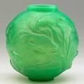 Lalique formose vase in cased green glass france ca 1924 m p 425 no 934 script signature r lalique france 7 x 6 12