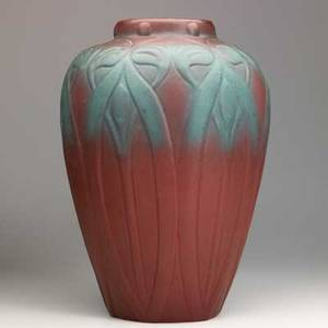 Van briggle massive vase with stylized flowers persian rose glaze colorado springs 1920s aavan briggleusa 14 x 8 12