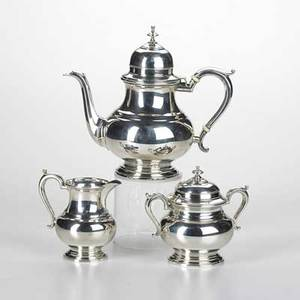 Watson company three piece sterling silver coffee service in the queen anne style ca 19101940 coffee pot covered sugar bowl and cream pitcher marked s14 exemplar 41 ot coffee pot 9