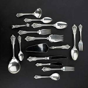 Wallace grand baroque sterling flatware service for eight ca 1941 8 forks 6 12 salad forks 6 78 spoons 6 14 spoons 9 34 dinner knives 12 serving pieces marked 52 pieces