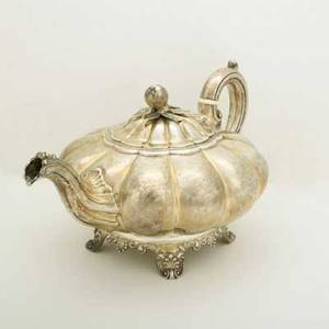 English sterling silver teapot melonform with fruit finial by j wrangham and william moulson 1839 duty mark for queen victoria 27 ot 6 12 x 7 12 x 11 12