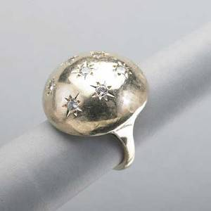 14k yellow gold diamond bombe ring ca 1965 partially textured sphere with seven starset brilliant cut diamonds approx 50 ct tw 89 dwt 14 gs size 5
