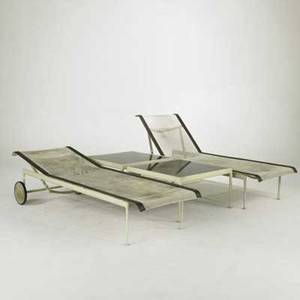 Richard schultz knoll pair of reclining chaise lounges and two low tables usa 1960s mesh leather painted metal and enameled steel unmarked flat 14 34 x 76 x 25 12 square tables 15 12