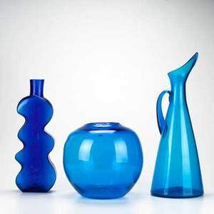 Blenko glass etc three blue pieces blenko pitcher and fishbowl together with abstract bottle bowl original label tallest 19 12