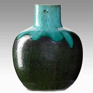 Merrimac globular vase with drip glaze newbury port mass ca 1905 no visible mark 7 12 x 6