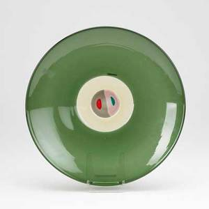 Tapio wirkkala venini glass charger in green and red with abstract decoration to center 1997 clear label and incised veninitw97 2 x 15 14 dia