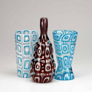 After ercole barovier three contemporary art glass vases in the dorico style all unmarked largest 12 12