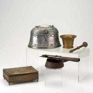 Decorative metals group five pieces 19th20th c brass mortar and pestle decorative box middle eastern oval box and hinged ladle largest 5 34 x 8 x 6