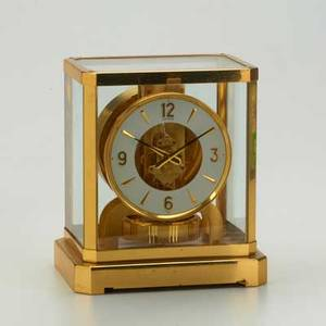 Jaegerlecoultre atmos clock fifteen jewels 9 x 7 12 x 5 12