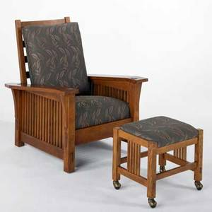 Stickley by audi contemporary droparm morris chair with matching ottoman each with spindled sides late 20th c quartersawn oak oak veneer and chenille upholstery branded markmetal tag 40 12