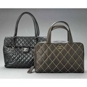 Two quilted leather day bags by chanel brown quilted lambskin tote external slit pocket and removable pouch hologram 6974591 13 x 8 x 5 black lambskin cambon eastwest details 2 external