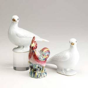 Chinese export pair of blanc de chine doves and a rooster 19th c tallest 6