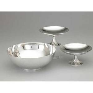 Tiffany  co silver holloware 19471956 sleek center bowl on ring foot 22847 9 14 x 3 12 pair of trumpet footed bowls with band edge 21848 6 14 x 3 18 no monograms no erasures 414