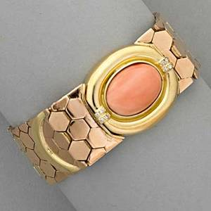 18k gold coral belt bracelet ca 1970 bright ribbon of hexagonal links clasped by oval coral cabochon with diamond accents 336 dwt 523 gs 6 58 x 34 international bids and bids issuin