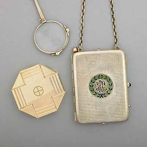 Gold and silver accessories 19101935 boucheron london 9 ct gold octagonal box with english marks 14k gold american folding lorgnette with engineturned handle silvergilt necessary with ename