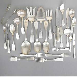 Old newbury crafters silver flatware service fiddleback pattern 128 piece service for twelve and 19 serving pieces forks 8 forks 7 18 24 cakesalad forks 6 34 8 appetizer forks