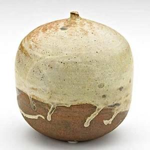 Toshiko takaezu 19222011 glazed stoneware moonpot clinton nj signed ttn 5 34 x 5 publication forster alternative american ceramics p 117