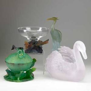 Daum four pieces of patedeverre in original boxes 20th c frog with the golden eyes covered compote heron figure swan centerpiece and butterfly with crystal bowl all signed tallest 9