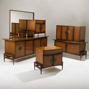 Bert england johnson furniture co bedroom suite kingsize headboard tall dresser long dresser with mirror and pair of nightstands usa 1950s walnut mahogany and brass unmarked headboard 97