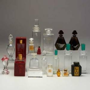 Baccarat etc twentyone pieces perfumes and cologne bottles for guerlain paquin ecarlate de suzy houbigant etc most marked tallest 8 12