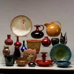 Art pottery group nineteen pieces include hull haegar sascha brastoff desert sands sequoyah franciscan hall etc 20th c most marked tallest 6 34