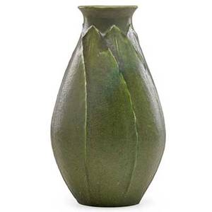 Grueby pearshaped vase with stacked leaves boston ma ca 1905 circular pottery stamp 9 x 5