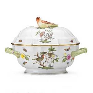 Herend porcelain tureen in the rothschild bird pattern with bird finial 20th c marked 9 x 12 x 8 12