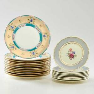 Royal doulton twelve dinner plates with floral border together with nine salad plates with scalloped edges and floral motif england early20th c porcelain all marked dinner plates 1025 dia