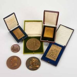 Bronze medallions seven souvenir de la mobilisation 1914 g willerme humorous wwi bronze g willerme 19141915 gilt bronze wwi french victory henry nocq 50th anniversary of the banque de paris et