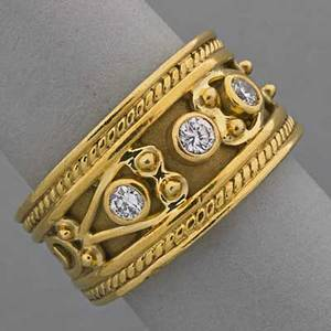 Artisanal etruscan style 18k gold diamond band three circular cut diamonds approx 28 ct tw 105 dwt size 7