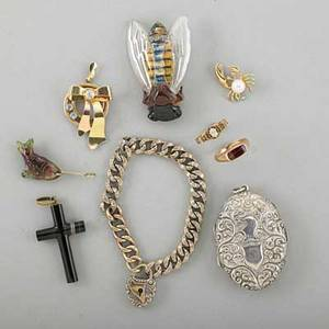 Eclectic jewelry collection 19th20th c nine pieces 18k gold and old pearshaped diamond ring approx 25 ct ca 1875 size 5 bicolor 14k gold zircon pendant ca 1940 1 34 victorian agate