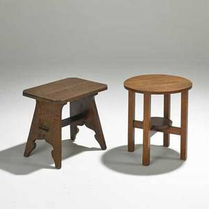 Arts and crafts two pieces usa early 20th c circular tabouret and rectangular stand oak and quartersawn oak unmarked tabouret 18 x 16 dia