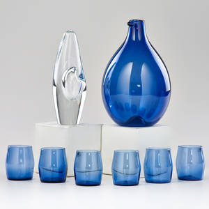 Timo sarpaneva orchid vase and bird pitcher with six matching glasses finland ca 1950s handblown glass vase and pitcher marked sticker on glasses pitcher 6 12 x 4 dia