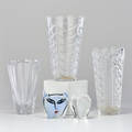 Kosta boda steuben waterford orrefors etc five pieces kosta boda artist collection ulrica hydmanvallien face steuben apple and three vases ca 1990s all marked royal brierley 10 x 6 di