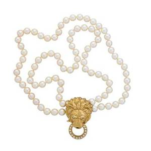 Van cleff  arpels gold lion head pearl necklace two concentric strands of spherical cultivated saltwater pearls 85  8 mm centrally joined by lion head and drop diamond ring clasp 16 rbc diamon