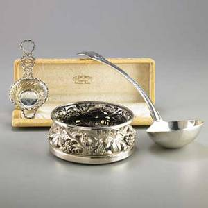 American or english sterling and silver plate three pieces shell handled sterling soup ladle harrison bros london 1820 13 12 gorham sterling tea strainer 1895 6 34 in cs raymond omaha