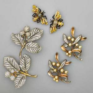 Group of naturalistic costume jewelry six pieces in silver and base metal includes a pair of charming jeweled and enameled bee pins and two pairs of jeweled foliate themed brooches makers incl